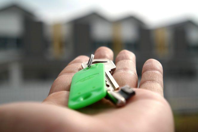 Hausverkauf mit Schlüsselübergabe