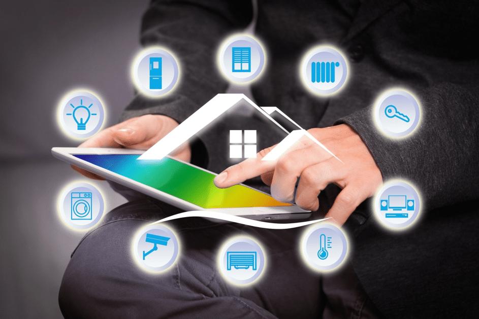 Licht, Fernseher oder Waschmaschine – per App lassen sich smarte Haushaltsgeräte auch von unterwegs steuern. Sind auch die Küchengeräte smart, profitieren die Besitzer von erhöhtem Komfort und einem verringerten Energieverbrauch im Alltag.
