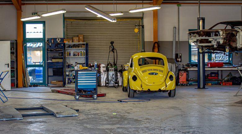 Werkstattboden in einer Kfz Werkstatt