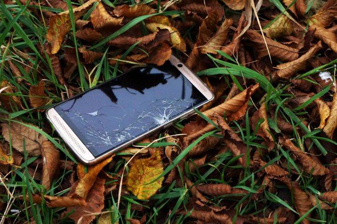 Reparatur eines defekten Smartphones