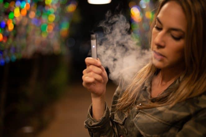 E Zigarette rauchen